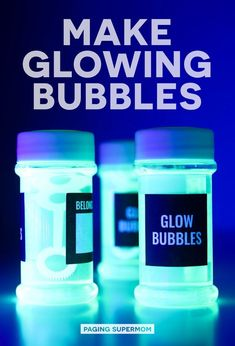 DIY Glow Bubbles for Blacklight Party - Cheap & Easy Recipe Halloween Science: DIY Glow Bubbles for Blacklight Parties and more Black Light Party Ideas via Paging Supermom Disco Party, Glow In Dark Party, Black Light Party Ideas, Diy Black Light, Glow Stick Party, Black Lights, Bolo Neon, Science Party, Science Diy