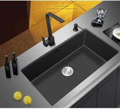 Products Philippus - Schwarzes Nano Edelstahlspülbecken thing in front of it. Large Kitchen Sinks, Double Kitchen Sink, New Kitchen, Best Kitchen Sinks, Kitchen Ideas, Kitchen Room Design, Modern Kitchen Design, Kitchen Decor, Küchen Design