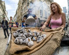 Photo roasted chestnuts by Daniel Antunes on 500px