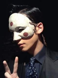 """Gaksital"" Behind the Scenes - Park Ki Woong wearing the mask Asian Actors, Korean Actors, Korean Dramas, Yong Pal, Lee Bo Young, Bridal Mask, Joo Won, Yoo Ah In, Moon Chae Won"