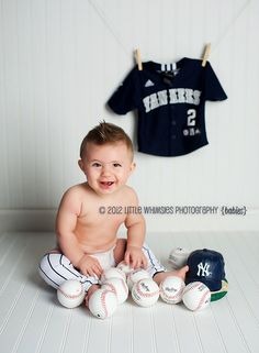 Little Whimsies Photography » Bellies, Babies, & More! This is adorable for a baby boy!