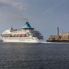 Yo también me fui de #Cuba....  #nostalgia #recuerdos #emigración #viaje #destino #exodo https://www.facebook.com/CubanosGuru/