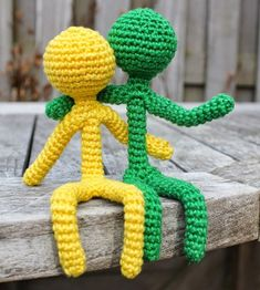 Crochet people. Amazing (and free) pattern in Dutch.