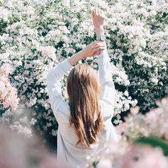 """2,820 Likes, 10 Comments - Elina Melnik (@elina_melnik) on Instagram: """"Мне удалось этой весной наконец-то сделать фото в цветущих деревьях"""""""