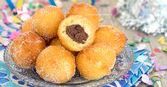 Troppo golose queste castagnole al mascarpone e Nutella, soffici, profumate e con un cuore morbido e cremoso, vanno a ruba!