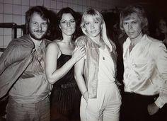773 vind-ik-leuks, 9 reacties - ABBA The Museum (@abbathemuseum) op Instagram: 'Photo from a surprise performance ABBA made in Norrköping 1979. Photographer Michael Svensson said…'