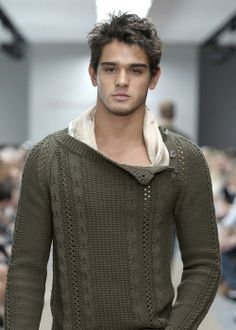 Marlon Teixeira, Cool Sweater