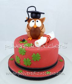 Polvere di Zucchero: cake design e sugar art. Corsi decorazione torte,biscotti,cupcakes e fiori: Torta Gufo con tocco per una laurea, in pasta di zucchero