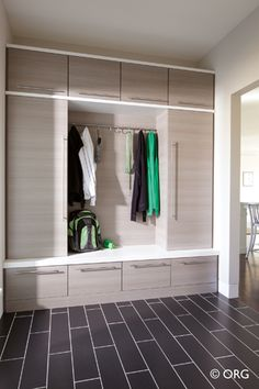 51 Best כניסה Images Mudroom Home Home Projects