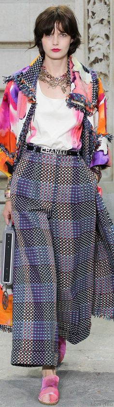 Color fashion Glam ...                                   Chanel Spring 2015 RTW