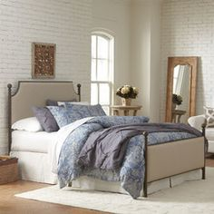 Williston Panel Bed