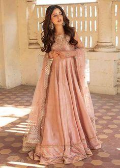 Pakistani Fancy Dresses, Beautiful Pakistani Dresses, Pakistani Fashion Party Wear, Indian Fashion Dresses, Pakistani Dress Design, Pakistani Outfits, Indian Outfits, Beautiful Dresses, Pakistani Models