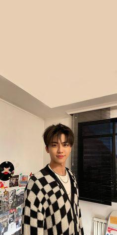Pretty Boys, Cute Boys, Nct Album, K Wallpaper, Boy Idols, Nct Dream Jaemin, Minding Your Own Business, Nct Doyoung, Dream Boy
