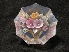 "LARGE 1.5"" DIAMETER VINTAGE LUCITE BUTTOn...Beeeeautiful!!"