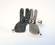 Goujon Boucles d'oreilles de lapin argent oxydé de Qutte Jewelry sur DaWanda.com