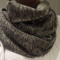 Soğuk günlerde rahatça kullanabileceğiniz atkılarımız renk çeşitleri ile mağazamızda.. #biswearistanbul #fashion #design #butik #sale #minimal #minimalist #vogue #galata #studio #ootd #vsco #otd #lookoftheday #ottd #fashionphotography #istanbul #style #onlineshop #alisveris #shopping #biswear