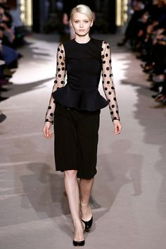 See the complete Stella McCartney Fall 2011 Ready-to-Wear collection.
