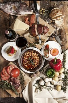 Tapas by Felix Hernandez Rodriguez A Food, Good Food, Food And Drink, Yummy Food, Spanish Cuisine, Spanish Food, Tapas, Comida Latina, Food Photography Tips