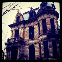 14) Franklin Castle: Arguably Ohio's most haunted house, Cleveland is home to this former clubhouse for a German singing society, home to a German socialist organization, a doctor's office, apartments, a party house and even a home to bootleggers.