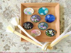 ガラスのような、立体的な絵柄のレジンアートモチーフの作り方 (追記更新) | Rumphius松本美樹 Handmade Accessories, Handmade Jewelry, Handmade Crafts, Diy And Crafts, Kimono Pattern, Blue Lace Agate, Custom Jewelry Design, Resin Crafts, Handicraft