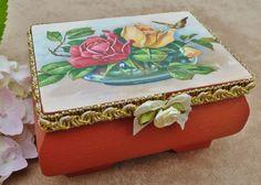 Edles Holzkästchen mit Rosen Buqet Holzbox von Schmucktruhe auf Etsy, €18.50