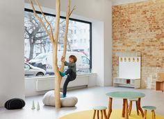 Den Kletterbaum gibt es zu sehen im Showroom von papoq in Berlin.