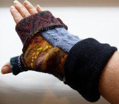 Fingerless gloves with felt detail and thumb by RelovedFabrics