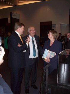 4.2.2014 Kunsthal Zutphen: ZM Koning Willem Alexander, Ad van Liempt (adviseur Aaltense Musea), Gerda Brethouwer (directeur Aaltense Musea)