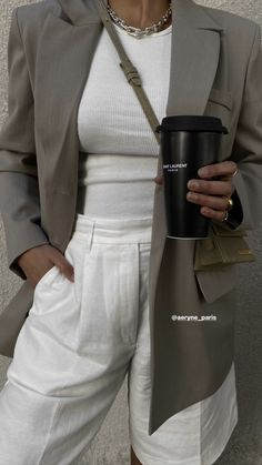 Casual Winter Outfits, Stylish Outfits, Fashion Outfits, Pretty Outfits, Cute Outfits, Black And White Girl, Pinterest Photos, Mode Inspiration, Parisian Style