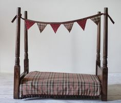 Newborn Baby Photography Prop Wooden Bed Set by KingsCloth on Etsy