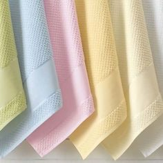 Toalha de Banho Arte Flex Lançamento Karsten 2014 99% algodão 1% viscose - 67 x 140 cm Toalha com barra para Pintar ou Bordar Ponto Russo Fabricante: Karsten