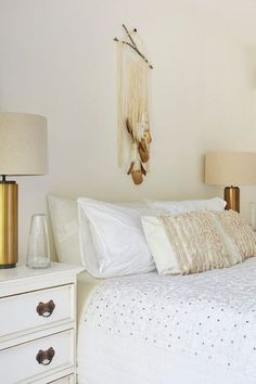 Bedding Basics  - Proof That Neutral Spaces Always Look Expensive - Photos