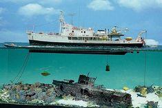 me encontre buceando por la red...esta escena del Calypso de Cousteau rebuscando en un submarino aleman...muy bien currado , es a 1/72 .pues el calypso es a esa escala....que currazo. y como veis..puse dioramas porque ire poniendo otros que tengo , pinchados por ahi..
