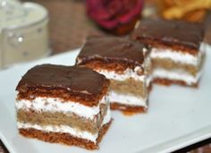 Ez nekem is tutira a kedvenceim közé kerülne! Hungarian Desserts, Hungarian Recipes, Hungarian Food, Sweet Recipes, Cake Recipes, Dessert Recipes, Sweet Cookies, Cake Bars, Sweet And Salty