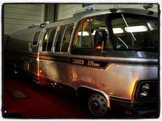 motohome Airstream