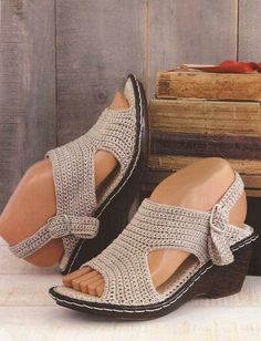 #431 Sandalias Beige a Crochet