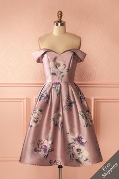 You can't go wrong with a floral dress! #promdresses #bridemaids #Boutique1861