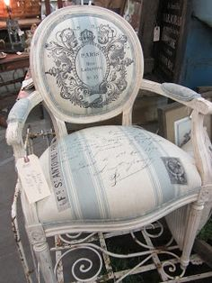 Pretty French-inspired chair at SWeeT SaLVaGE. Furniture Ads, French Furniture, Upholstered Furniture, Paint Furniture, Furniture Makeover, Design Furniture, Plywood Furniture, French Decor, French Country Decorating