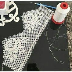 Crochet Borders, Crochet Stitches Patterns, Filet Crochet, Crochet Lace, Stitch Patterns, Knitting Patterns, Crochet Bedspread Pattern, Crochet Curtains, Crochet Books