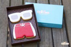 """""""Gafas y bañador"""" Diseño propio que encontrarás en: http://www.galletea.com/galletas-decoradas/"""