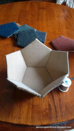 Penny Rugs and More: Woolie Pentagons Sewing Box - One Dodecahedron Tutorial Fabric Crafts, Sewing Crafts, Sewing Projects, Sewing Box, Sewing Notions, Notions De Couture, Fabric Bowls, Hexagon Quilt, Penny Rugs