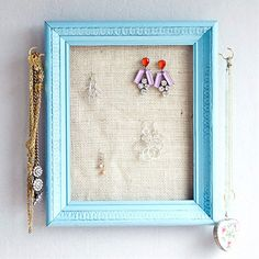 Pin for Later: 221 Upcycling Ideas That Will Blow Your Mind Jewelry Earring Frame Organizer Frame some burlap for a unique jewelry organizer. Frame Jewelry Organizer, Jewelry Frames, Jewelry Hanger, Jewelry Organization, Organization Hacks, Jewelry Armoire, Organizing Tips, Do It Yourself Inspiration, Wooden Picture Frames