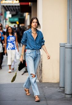 Leandra Medine is seen wearing ripped denim jeans, button shirt outside Tibi during New York Fashion Week September 2019 on September 2019 in New York City. Sweatpants Outfit, Outfit Jeans, Jacket Outfit, Denim Outfit For Men, Jacket Men, Outfits Casual, Jean Outfits, Double Denim Outfits, Men Casual