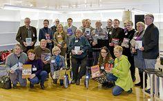 Rovaniemen kirjastossa järjestettyyn Tekijöiden päivään 15.11.2014 osallistui parikymmentä lappilaista kirjailijaa.
