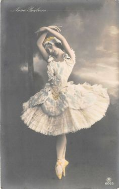 lot 22 anna pavlova ballet dancer imperial russian ballet russia Old Postcards, Photo Postcards, Anna Pavlova, Isadora Duncan, Russian Ballet, Ballet Dancers, Ballerina, Ebay, Ballet Flat