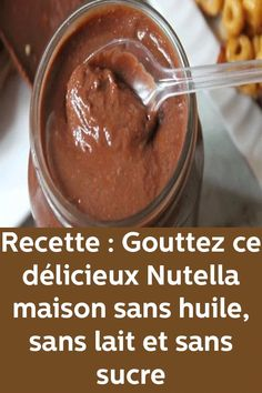 Recipe: Drop this delicious homemade Nutella without oil, milk and sugar - cuisine - Régime Vegan Desserts, Fun Desserts, Delicious Desserts, Yummy Food, Nutella Light, Keto Recipes, Cake Recipes, Creative Desserts, Easy Cooking