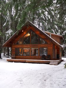 Greenwater Chalet Cabin 3 Bed Loft 2 Full Baths Enumclaw Cabin Plans With Loft Small Log Cabin Log Cabin Homes