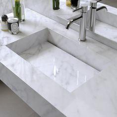Plan vasque en Marbre Carrara / Sink in authentic Marble Carrara Bathroom Furniture, Bathroom Interior, Modern Bathroom, Small Bathroom, Bad Inspiration, Bathroom Inspiration, Plan Wc, Bathroom Suppliers, Washbasin Design