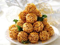Szyszki z ryżu preparowanego - przepis Ani Starmach - Desery - Polki.pl Party Snacks, Healthy Snacks, Sweet Tooth, Almond, Deserts, Food And Drink, Easy Meals, Sweets, Baking