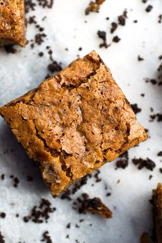 A buttery chocolate crust and a rum-scented, banana-imbued butterscotch blondie form two distinct layers that harmonize with every bite. The contrast between crunchy bottom and chewy topping is the whole point of the exercise. (Photo: Andrew Scrivani for NYT)